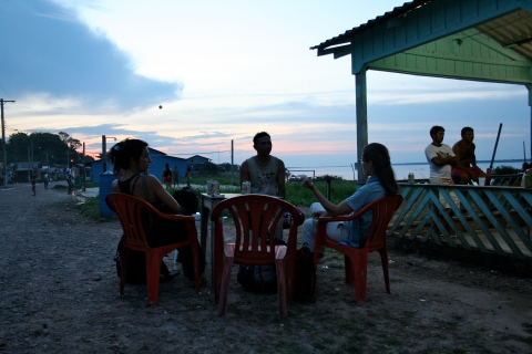 Evening at a bar in Moura.