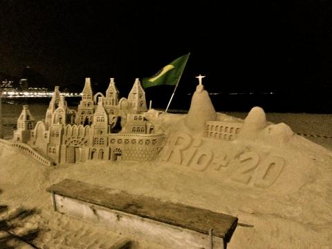 Rio+20 sand sculpture